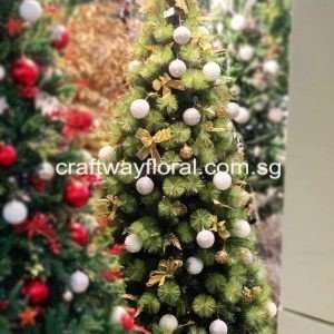 This Gold/White Christmas Pine Tree gives off an optimistic and cheerful vibe to the Christmas spirit. It is glamorous, associated with good times.